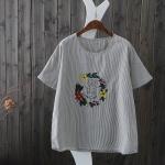 P05131 เสื้อแฟชั่น ผ้าฝ้ายเนื้อดีลายริ้ว สีเทา ปักดอกไม้ แต่งกระดุมหลังยาว