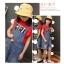 เสื้อสีแดง+เอี๊ยมยีนส์ thumbnail 4