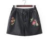 P22351 กางเกงขาสั้น เอวยางยืด ผ้ายืดฟอกเนื้อนิ่มไม่หนา สีเทา ดำ ปักดอกไม้
