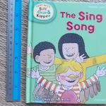 Read With Biff, Chip & Kipper: To Sing Song (Phonics Level 3)