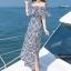 MAXI DRESS ชุดเดรสยาว พร้อมส่ง สีกรม ลายตัดสีขาวเก๋ สวยดูไฮโซมากๆค่ะ ดีเทลระบายเป็นชั้นช่วงคอเสื้อ กระโปรงบานพริ้วๆ ผ่าข้าง thumbnail 6