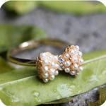 แหวนโบว์ลายมุก น่ารัก ฟุ้งฟริ้ง