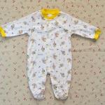ไซส์ 3-6 เดือน ชุดหมีเด็กแบบคลุมเท้า แขนยาว สีเหลือง ลายหมี