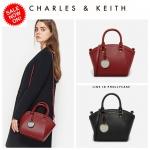 กระเป๋า CHARLES & KEITH CURVED CITY HANDBAG CK2-50270029 หนังคาร์เวียร์