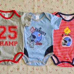 ไซส์ 6-9 เดือน บอดี้สูทเด็ก ลายอเมริกันฟุตบอล แพ็ค 3 ตัว