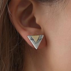 ต่างหูหยกสามเหลี่ยม