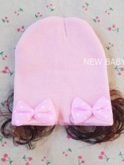 หมวกเด็กไหมพรมผู้หญิง แต่งโบว์ มีปอยผม สีชมพูอ่อน