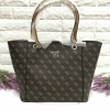GUESS Women's Tote Bag สีน้ำตาล ลายG ไขว้ทั้งใบ free ถุงผ้า * สินค้า outlet