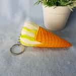 สกุชชี่พวงกุญแจไอติมโคน สีเขียวขาว Ice-cream Squishy นุ่มๆ สโลว์ๆ ของเล่นสุด Hot Hit