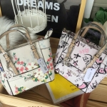 GUESS Delaney Mini Crossbody Bag flower design มี 2 ลายให้เลือกค่ะ