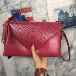 กระเป๋าสะพาย ปรับเป็นคลัชได้ สีช็อกกิ้งพิงค์ รุ่น KEEP Doratry shoulder &clutch bag