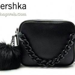 กระเป๋า Bershka with chain messenger bag กระเป๋าสะพายข้างทรง สวย หนัง PU