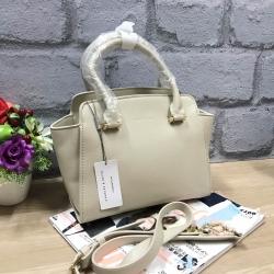 กระเป๋าถือสะพาย อยู่ทรงสวย ขนาดกำลังดี สีเบจครีมอ่อน CHARLES & KEITH CITY BAG CK2-50780253