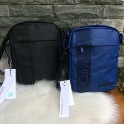 Cavin Klein Mini Crossbody Bag มี 2 สีค่ะ