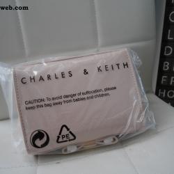 กระเป่าคลัช Charles & Keith Bow detail clutch สีนู๊ด ส่งฟรี EMS