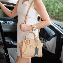 กระเป๋า KEEP passion on handbag Grey ราคา 1,790 บาท Free Ems