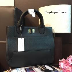 กระเป๋า CHARLES & KEITH TERN LOCK TOTE BAG 2016 สีดำ กระเป๋าถือหรือสะพายรุ่นใหม่ชนช็อปดีไซน์สวยวัสดุหนังเรียบตัดหนังคาเวียร์ดูหรู