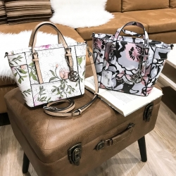 GUESS Mini Cross Body Printed Flower Bag free ถุงผ้า