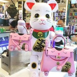 กระเป๋า Kelly Meaw Meaw ขนาด 28 Pink Fortune Cat Bag inspired by the Japanese Maneki Neko หนังวัวแท้ทั้งใบ สวยมาก แมวเหมียว Maneki Neko ฮอตที่สุด