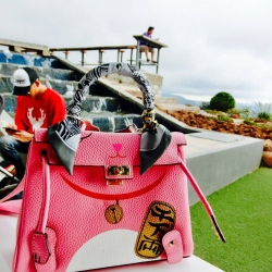 Kelly Meaw Meaw ขนาด 25 cm Pink Wealthy Bag