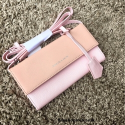 กระเป๋าเงิน กระเป๋าครัช Charles & Keith Top Handle Clutch Bag สีชมพู ราคา 1,090 บาท Free Ems