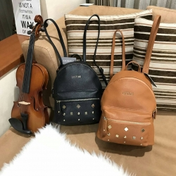 GUESS Canson Backpack With Studs มี 2 สีให้เลือกค่ะ