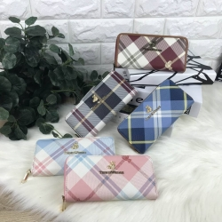กระเป๋าเงินจาก TEENIE WEENIE ตัวกระเป๋าแต่งลายสวยงาม มี 5 ลายให้เลือกค่ะ