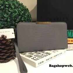 กระเป๋า CHARLES & KEITH LONG TEXTURED WRISTLET 2016 สีเทา ราคา 1,090 บาท Free Ems
