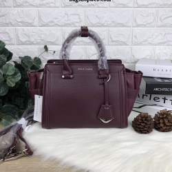 Charles & Keith Structured Trapeze Bag รุ่นหนังคาเวียร์ สีแดงไวน์