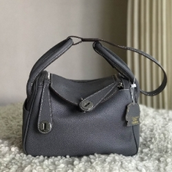 กระเป๋าหนังแท้ Lindy ขนาด 26 อะไหล่ Silver material Coated Leather หนังวัวแท้100%