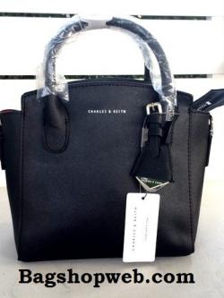 กระเป๋า Charle & Keith Guesseted Mini Tote Bag 2016 สีดำ ราคา 1,390 บาท Free Ems