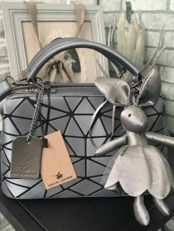 David Jones Speedy Metallic grey ( สีเทาเข้มคะ ) free Bunny Key Chain