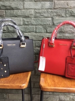 Charles & Keith Large Structured City Bag มี 2 สี