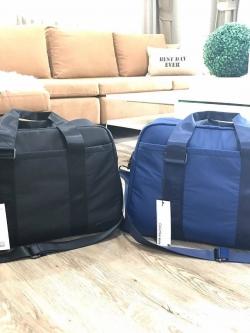 CALVIN KLEIN JEANS TRAVEL BAG มี 2 สีให้เลือกค่ะ