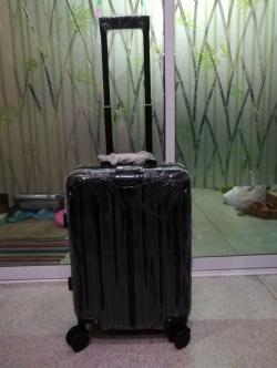 กระเป๋าเดินทางล้อลากขอบมิเนียม ขนาด 20 นิ้ว