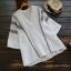 เสื้อเบลาส์คอวีปักลาย แขนสั้น (มีให้เลือก 4 สี) thumbnail 1