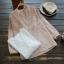 เสื้อเบลาส์คอวีแขนยาว ปักแต่งลายลูกไม้ (มีให้เลือก 2 สี) thumbnail 1