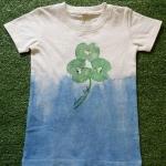 เสื้อยืดเด็กมัดย้อมคราม +งานเพ้นต์มือ (อายุ1-1.5 ปี)