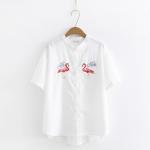 เสื้อเชิ้ตสีขาวแขนสั้นปักแต่งลาย