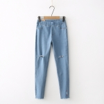 กางเกงยีนส์สกินนี่ขายาวเอวยืด ปักลาย (มีให้เลือก 2 สี 4 ไซส์)