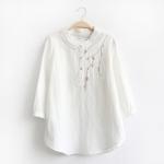 เสื้อเบลาส์ลินินปักแต่งลาย (มีให้เลือก 3 สี)