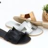 พร้อมส่ง รองเท้าแตะส้นเตี้ย หน้าสวม สไตร์แบรนด์ดัง SB07-28-SIL [สีเงิน]
