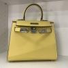 พร้อมส่ง กระเป๋าสะพายข้างหนังแท้ Kelly 25 CM Leather [สีเหลือง]