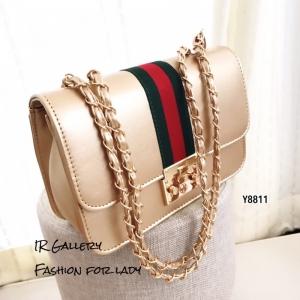กระเป๋าสะพายแฟชั่น กระเป๋าสะพายข้างผู้หญิง วัสดุหนังพียูคุณภาพพรีเมี่ยม แต่งแถบผ้าคาดสลับเขียวแดง Style Gucci [สีทอง ]