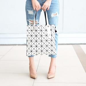 กระเป๋าสะพายแฟชั่น กระเป๋าสะพายข้างผู้หญิง Bao Bao 6*6 NoLogo [สีขาว]