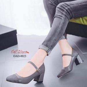 พร้อมส่ง รองเท้าคัทชูส้นตันรัดข้อสีเทา หัวตัด ผ้าสักหราด แฟชั่นเกาหลี [สีดำ ]