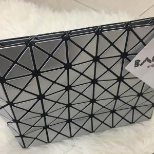 กระเป๋าสะพายแฟชั่น กระเปาสะพายข้างผู้หญิง bao bao mini สีรุ้ง Logo สายโซ่ [สีเงิน ]