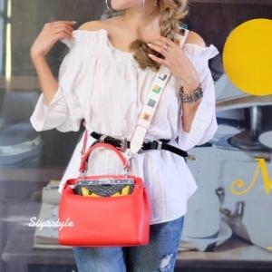 กระเป๋าสะพายแฟชั่น กระเป๋าสะพายข้างผู้หญิง Fendi monster [สีแดง]