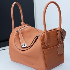 กระเป๋าสะพายข้างหนังแท้ Lindy 28 หนังแท้ [สีส้ม]