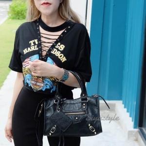 กระเป๋าสะพายแฟชั่น กระเป๋าสะพายข้างผู้หญิง หนังยับ Balencia Lambskin [สีดำ-น้ำตาล ]